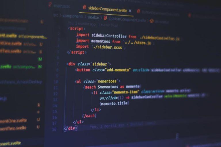 W jakich sektorach znajduje zastosowanie oprogramowanie dedykowane?